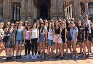 2018-19 Die 5. Klassen der HAK und der HLW Landeck waren in Granada/Spanien