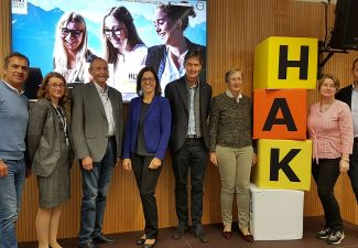2018-19 An der HAK Landeck trafen sich Vertreter der MEDIEN.HAKs aus Österreich