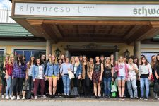 """2016-17 Exkursion der HLW Landeck zum """"Hotel Schwarz"""" in Mieming"""