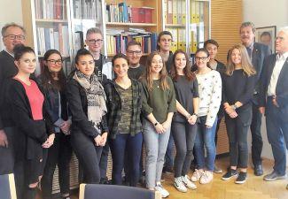 2018-19 Schüler/innen der 4. HAK besuchten die BH Landeck