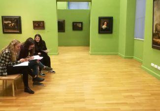 2018-19 Bilder genau betrachten - die HLW Landeck besuchte das Ferdinandeum